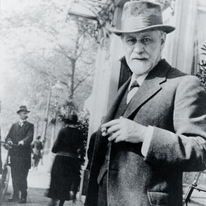 sigmund-freud-1856-1939-standing-everett_Snapseed